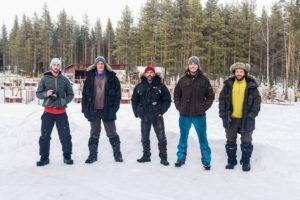 L'équipe bien équipéedans le Grand Nord