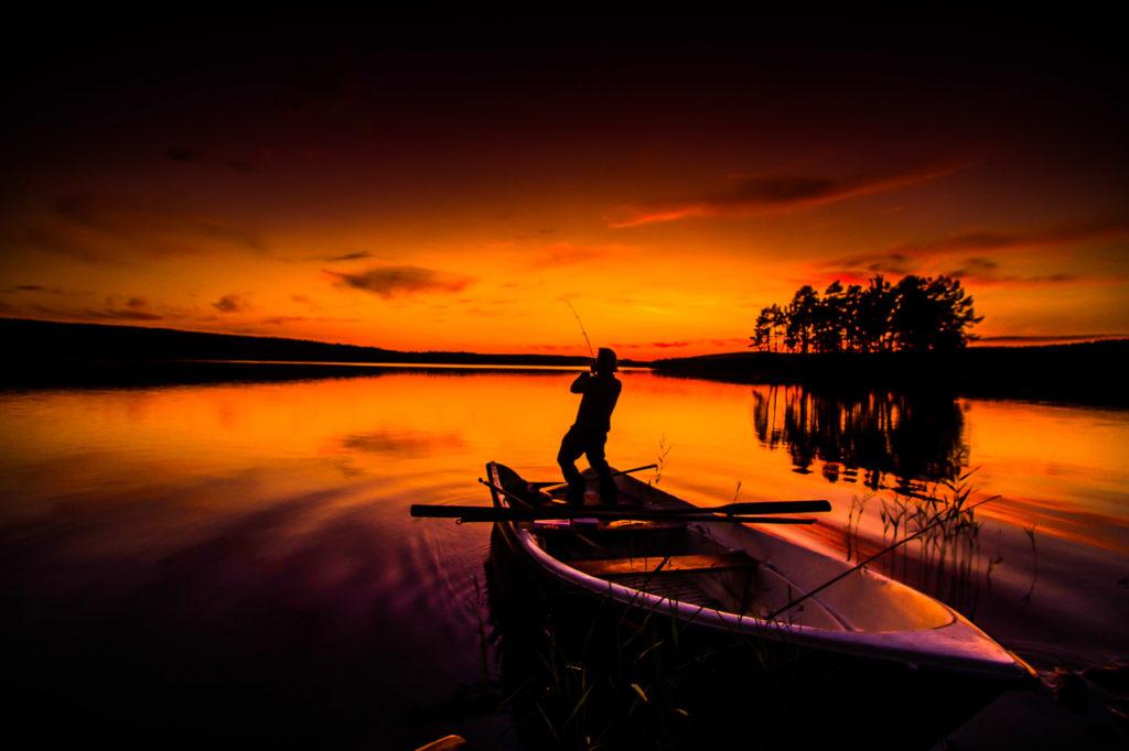 Pêche de nuit en Laponie suédoise